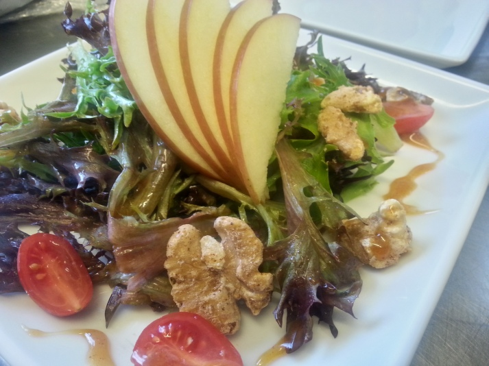 apple walnut salad_110303_HDR